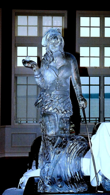 Ice Impressions, Northern Michigan Ice Sculptures, ice sculptures, ice sculpture, femal golfer ice sculpture